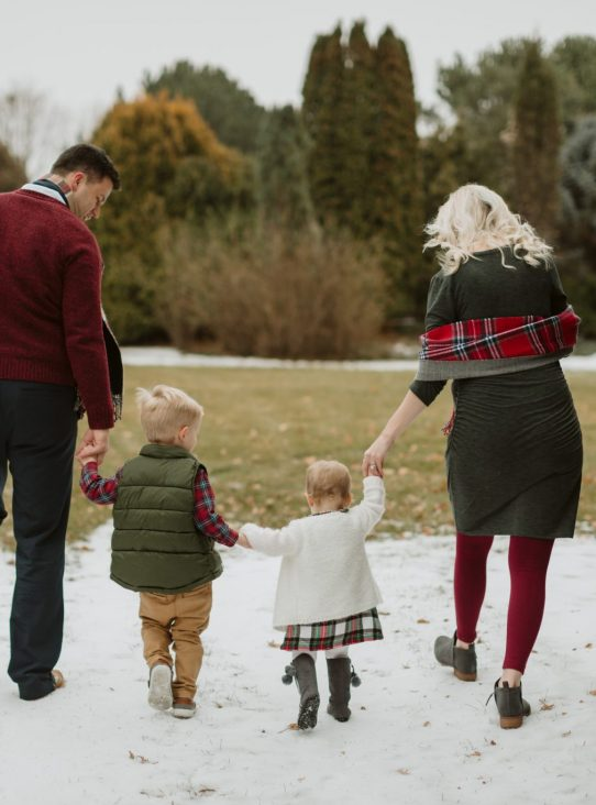 Winter family session at McCrory Gardens